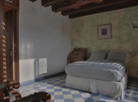 Stunning 5 Bedroom Old City House, Cartagena de Indias