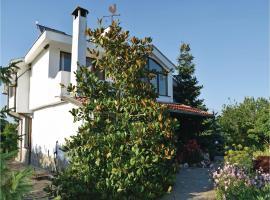 Three-Bedroom Holiday Home in Velika, Velika
