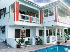 Cleopatra Villas - Large 7-Bed, Rodney Bay Village