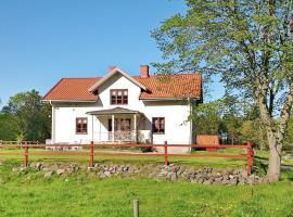 Two-Bedroom Holiday home in Västervik, Törnsfall