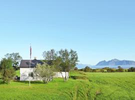Three-Bedroom Holiday home in Laukvik 4, Sand