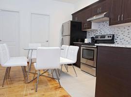 Cozy apartment on the TRENDY! Saint Laurent Blvd, Montreal