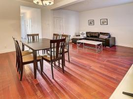 #49 · Beautiful House with basement and game room, Montreal