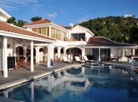 St. Tropez Villa, Koolbaai