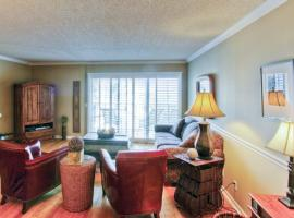Beach Club 318 Apartment, Saint Simons Island