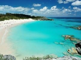 Bermuda Dreams, Hamilton