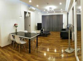 Nancy Thuy Tien Apartment 1111, 头顿