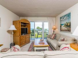 Beach Club 129 Apartment, Saint Simons Island