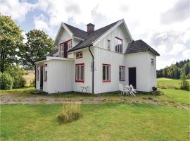 Four-Bedroom Holiday Home in Hogsater, Högsäter