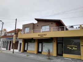 Calle 3 1526, Santa Teresita
