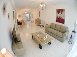 Angela's Luxury Apartments, Larnaca