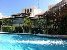 Casa Azul, Beautiful Beach House in Cancun, Hotel Zone, Cancún