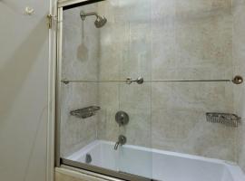 2 Bedroom Murray Hill Apartment, Nowy Jork