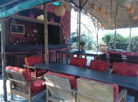 LTK Hotel Farm Safari, Patlahara