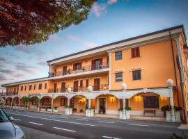 Palmed Hotel, Gizzeria