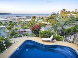 Amazing Marina views for family, Airlie Beach