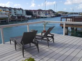 Villa Inah- 2 Bedroom Waterfront Luxury Villa, Jolly Harbour