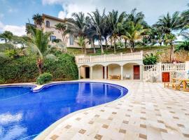 The Sunny Villa @ Keyhole Bay, Coxen Hole