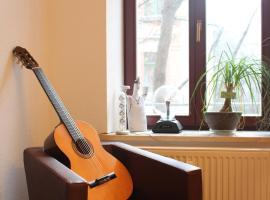 Familienwohnung: zentral, grün, preiswert!