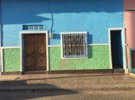 Joe Blue House, Granada
