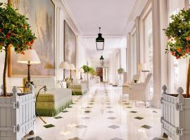 Le Bristol Paris - an Oetker Collection Hotel, Париж