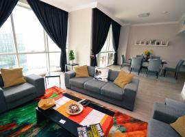 Hometown Apartments - Wonderful 2BR, Dubaj
