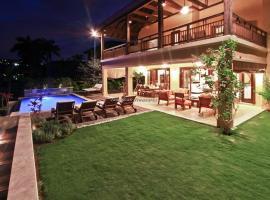 A Beach Villa Three Bedroom Villa, Бухта Монтего