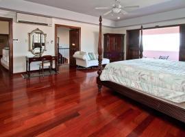 Villa Paradiso Eight Bedroom Villa, Buckfield
