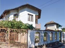 Three-Bedroom Holiday Home in Krapets, Krapets