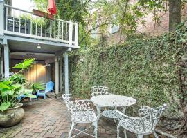 Warren Peace Garden Apartment - One Bedroom Condo, Savannah