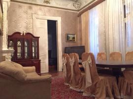 Torgovaya big apartment with terace, Baku