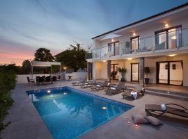 Villa Grey Soul, Медулин
