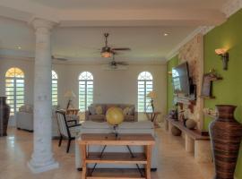 Crystal Sunrise Villa, Betty Hill