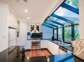 Absolute Water Front Holiday House - Gosford, Gosford