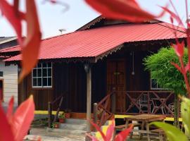 Sweet Escape to Classic Malay Cottage @ Dorani, Sungai Besar