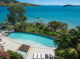 Edge 2 Ocean Front Luxury 3 Bedroom Split Level Spacious With Sofa Bed + Buggy, Hamilton Island