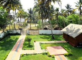 Back Packer's Home with A/c Waves and Shores, Mararikulam