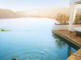 Tentaciones Hotel & Lounge Pool - Adults Only, Zihuatanejo