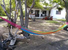 Isla Tortuga Solar Beach Cottage, La Marimba