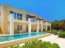 Villa Caymanas, Old Man Bay