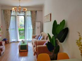 Leisure Two Bedromm Apartment With Garden Near Qingcheng Mountain, Dujiangyan