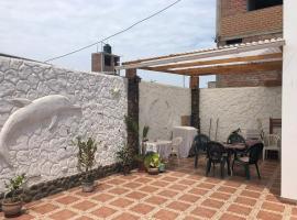 La Casita Blanca Camelias, Huanchaco