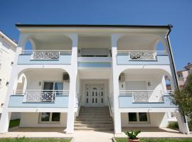 Susanna Apartments, Keramotí