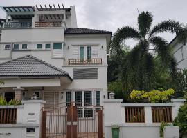 Seafront Vacation Home, George Town