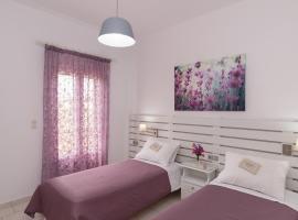 Letta's Apartments, Finikas