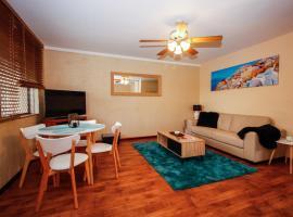 Mosman Park Beach Apartment, Перт