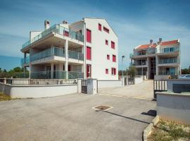 Apartments Sebastiano A, Peroj