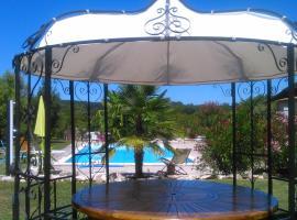 Chambre d'hôtes Mas Castel, Castelnau-de-Montmiral
