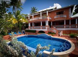 Mirage - Scenic Seaside Villa with 7 Spacious Bedrooms, Black Rock