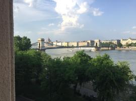 Castleside Apartment, Budapest